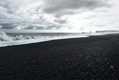 Black-beach-panorama