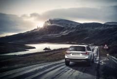 02 Volvo-V90-CC
