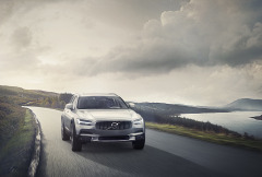 Volvo V90 Cross Country-01